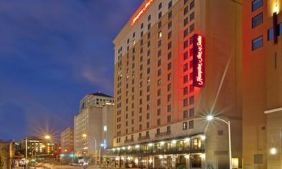 Hampton Inn & Suites - Downtown